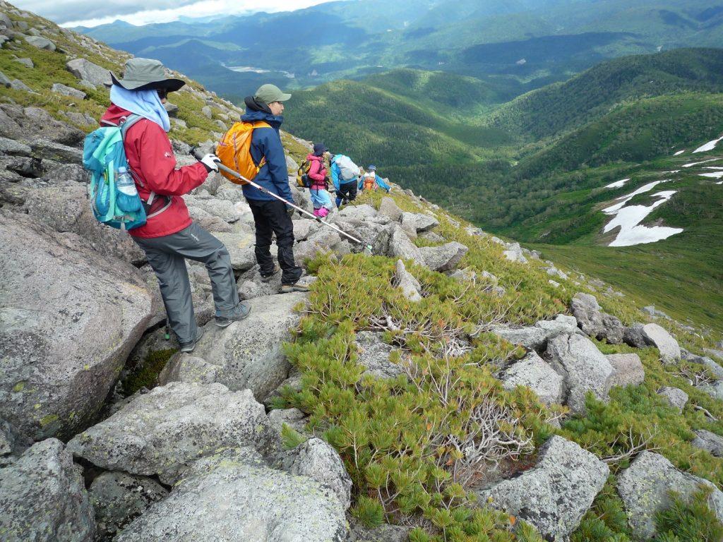 緑岳から下るガラ場、ナキウサギやシマリスにも合うことができました。